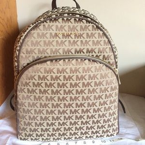 Michael Kors ABBEY large back pack BG/EB/JAVA